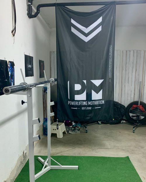 vertical pm flag