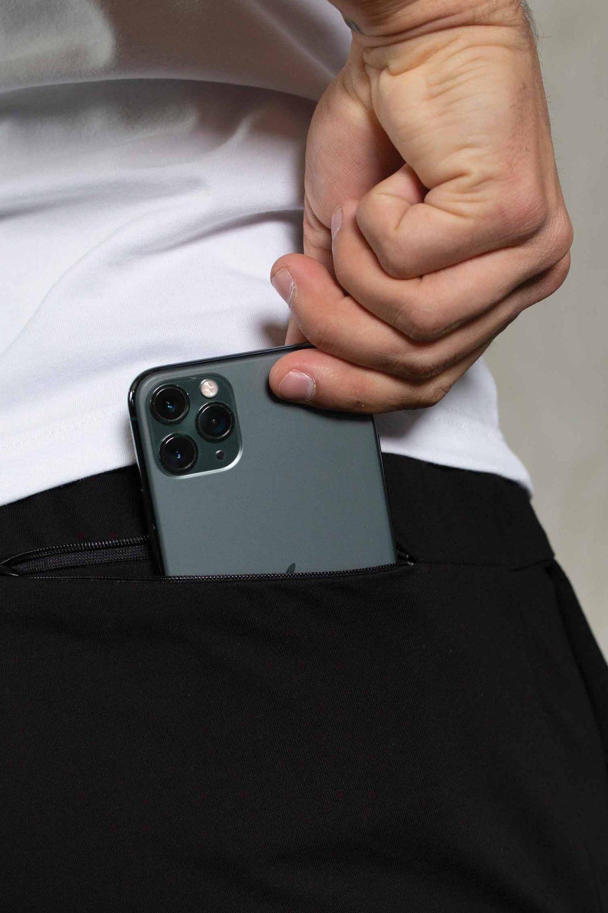 essentils-black-top-back-pocket